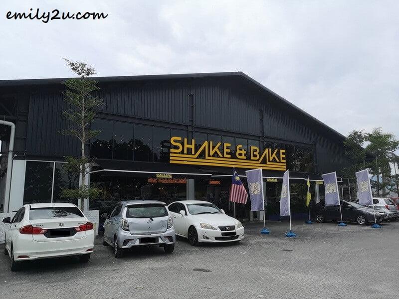 Shake & Bake Café
