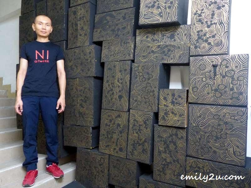artist Kok Hwa Kean with 'A Parting Message' (installation art @ Ni Artweek 2016)