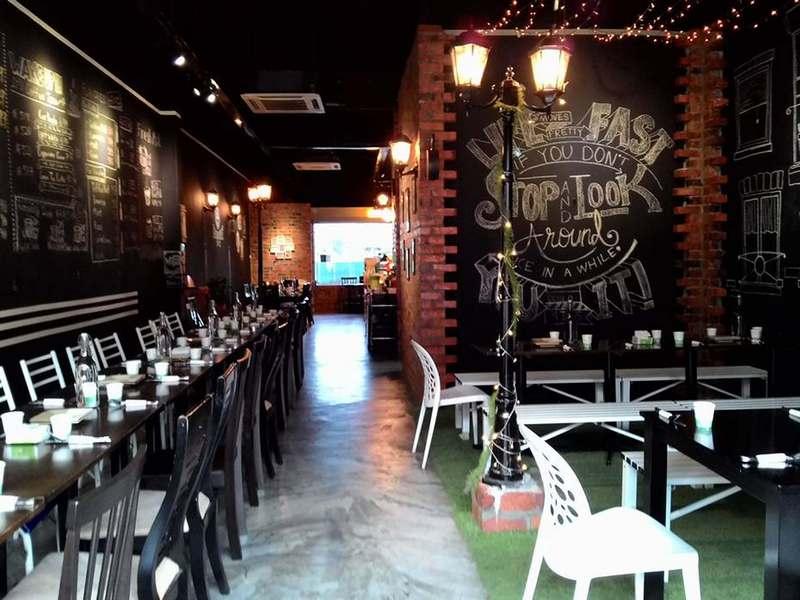 Backstreet Café