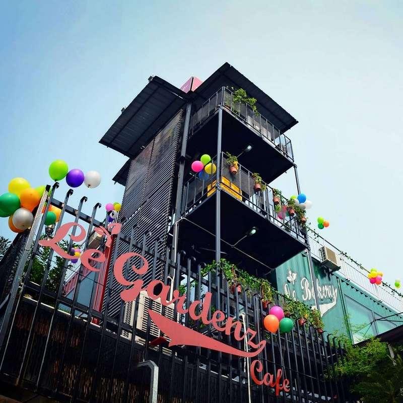 Le Gardenz Cafe
