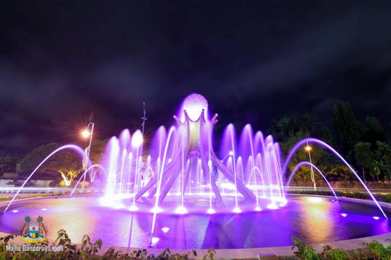 Sultan Yussuf Roundabout lighted up in purple