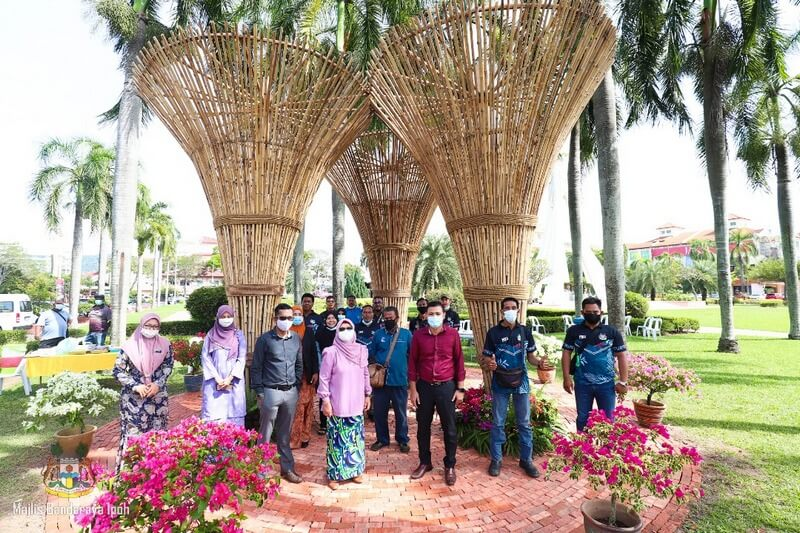 launch of bamboo sculptures