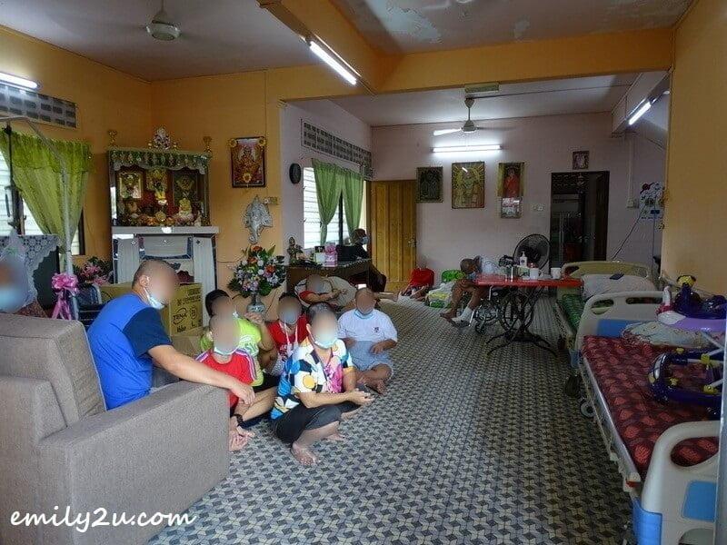 residents of Persatuan Kebajikan Rumah Orang Kurang Upaya