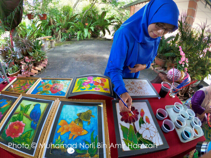 learn local art and handicraft during the stay