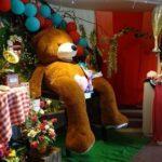 giant teddy bear featured