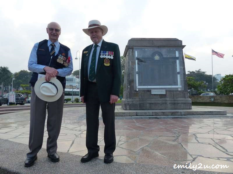 Ken McNeill (L) & Fred Simpson (R) in front of Ipoh Cenotaph War Memorial