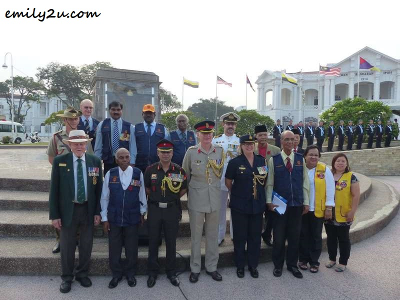 Ken McNeill (last row) & Fred Simpson (front row first from left), together with Founder President-cum-Patron of Warriors Association Malaysia (WIRA) Dato' R. Thambipillay (next to Simpson), foreign dignitaries, guests & committee members of Remembrance Day