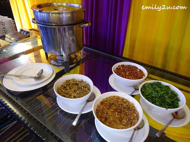 Bubur Lambok Rusuk Kambing Kibas with Condiments