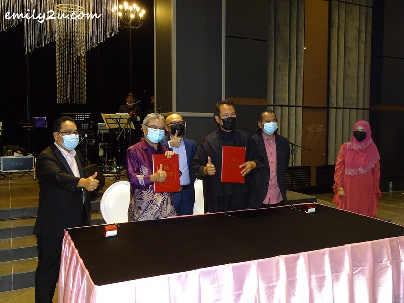 signing of MOU between Ipoh City Council and Luncai Emas Publishing Sdn Bhd