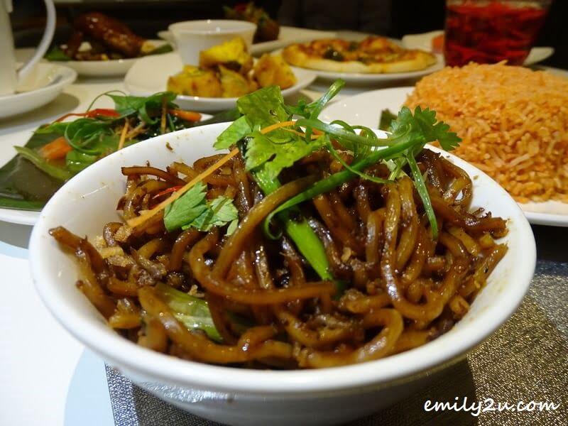 Rice & Noodle: Mee Goreng