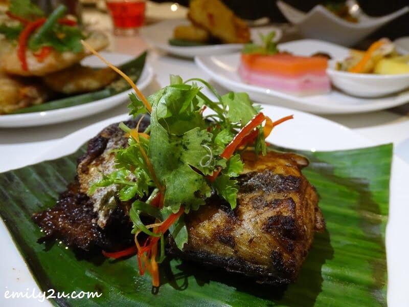 Main Dish: Ikan Goreng Berempah