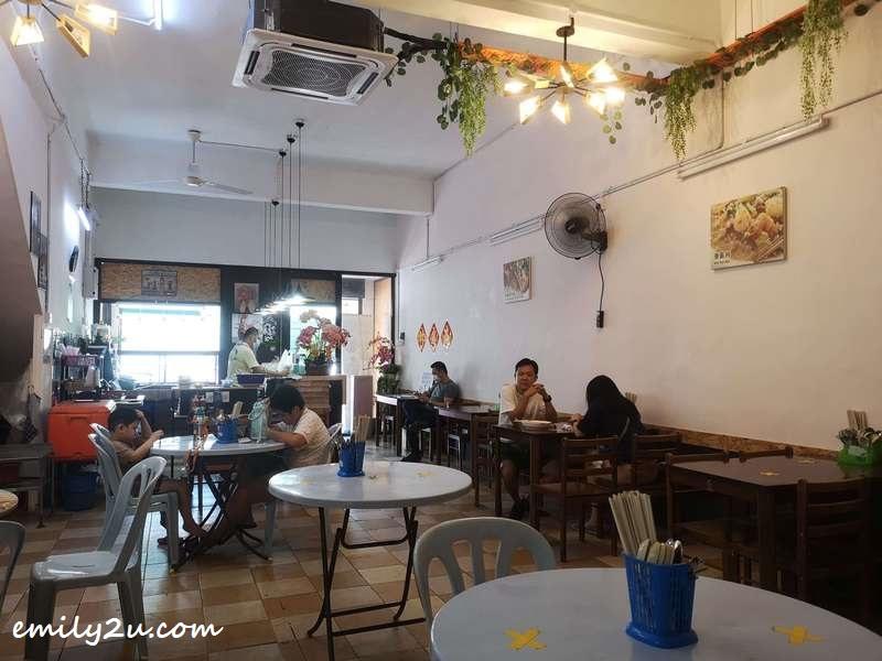 dining area of Restaurant Haw Teng