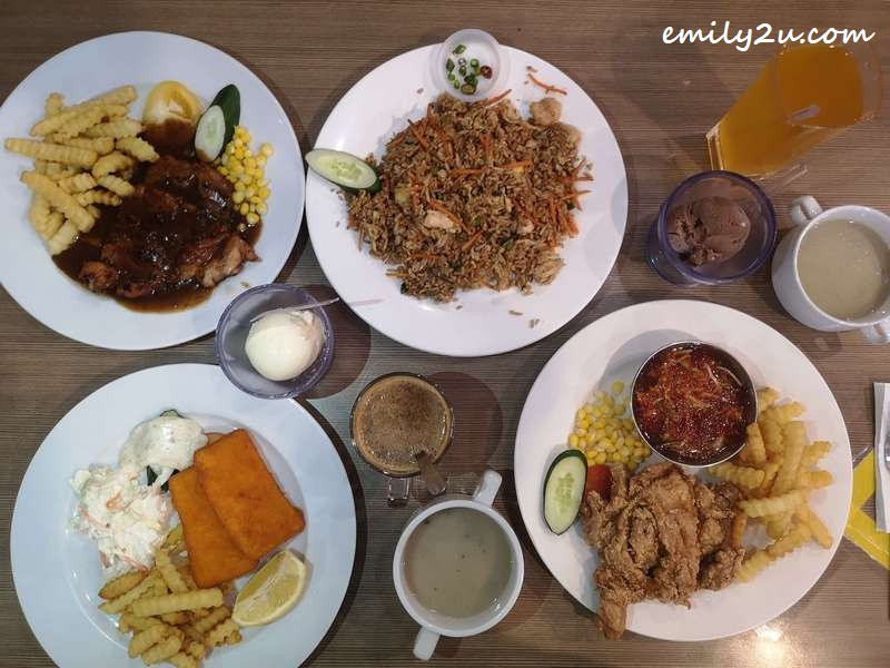lunch at Crazy Ice Cream & Salad House Ipoh